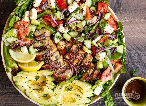 """Салат """"Греческий"""" с курицей"""
