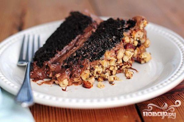Шоколадный пирог с орехами
