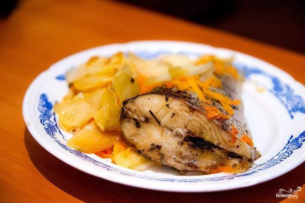Щука в духовке с картофелем