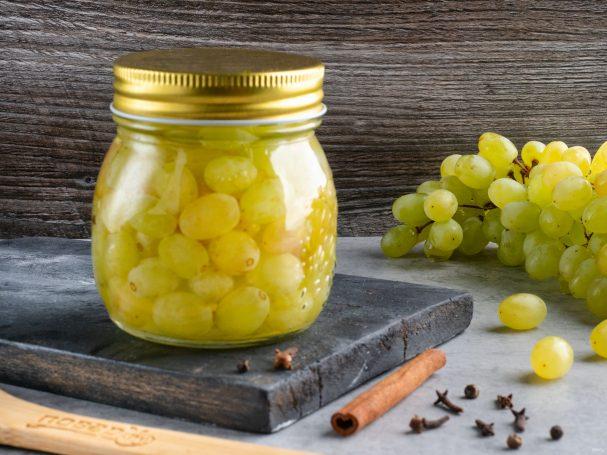 Маринованный виноград под оливки