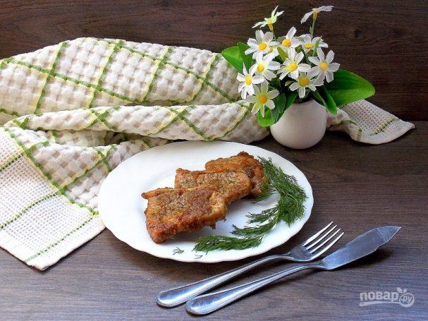 Свиная корейка обжаренная в луковом соусе