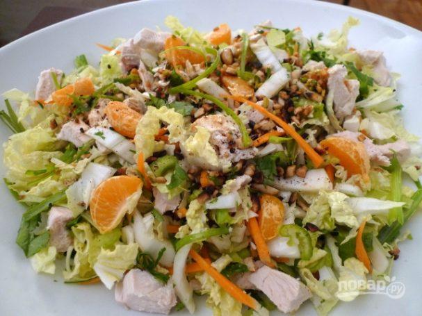 Салат с пекинской капустой и курицей