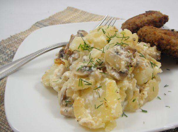 Картошка с грибами со сметаной