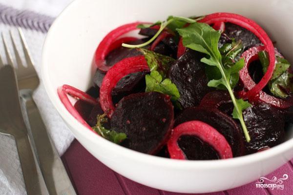 Салат из свеклы и лука