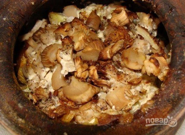 Вешенки с картошкой в горшочках