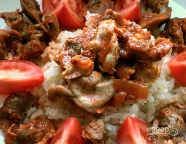 Куриные желудочки с рисом