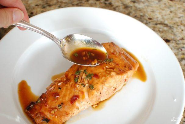 Лосось в китайском соусе, запеченный в духовке