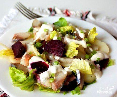 Салат рыбный с картофелем