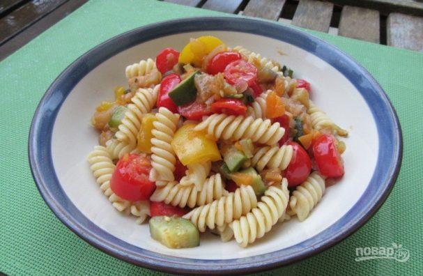 Паста с овощным рагу