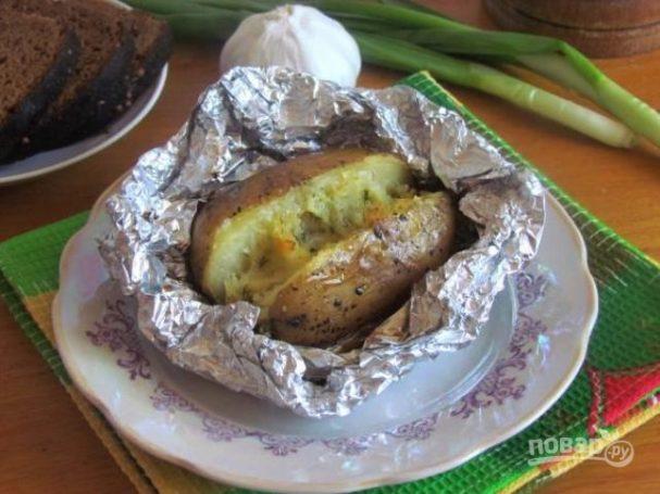 Картофель с брынзой запеченный