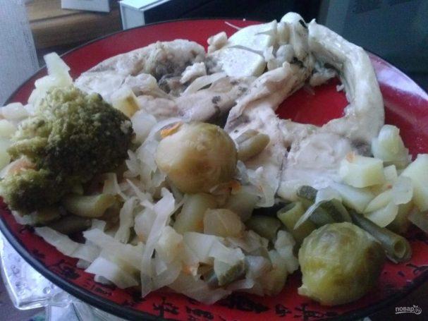 Синец с овощами на пару