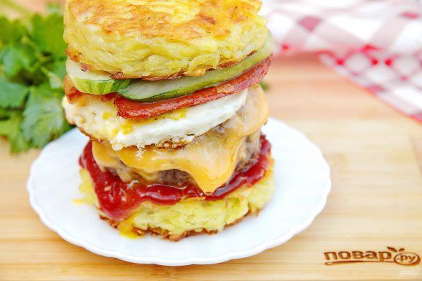 "Бургер на завтрак ""Башня на рассвете"""