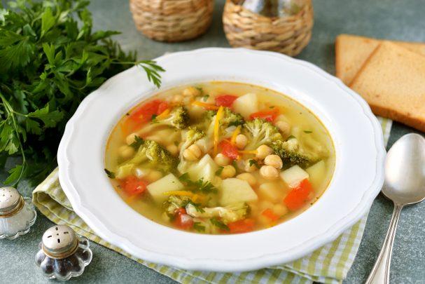 Суп с нутом и брокколи