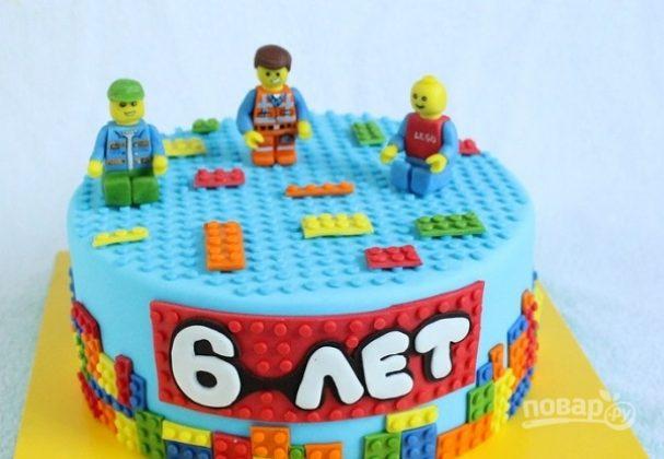 """Торт с человечками """"Лего"""""""