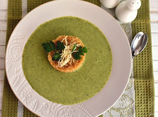 Суп из цукини со шпинатом и киноа
