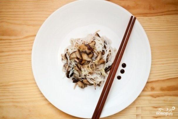 Рисовая лапша с грибами