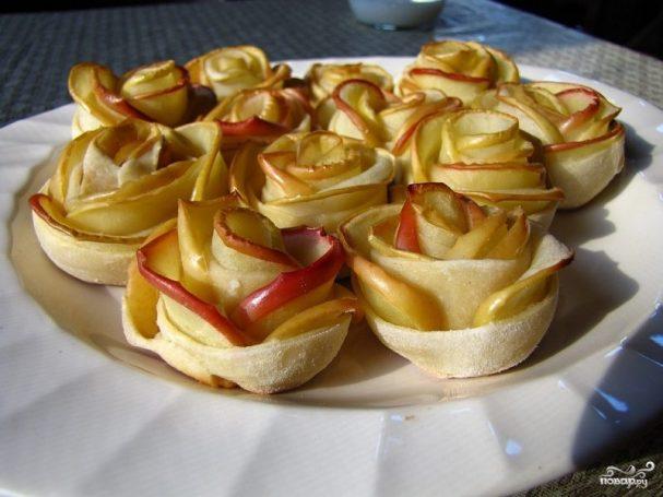 Розочки из яблок