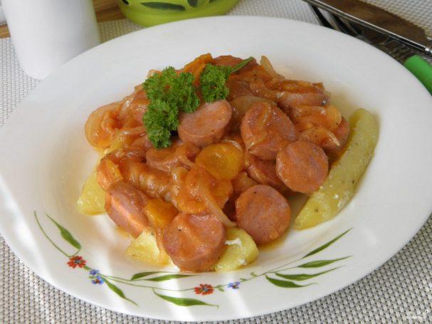 Сосиски под соусом