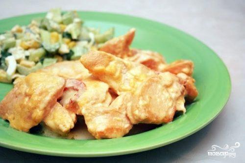 Куриное филе под сметанным соусом