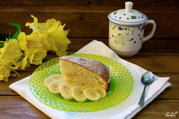 шарлотка с бананами на молоке