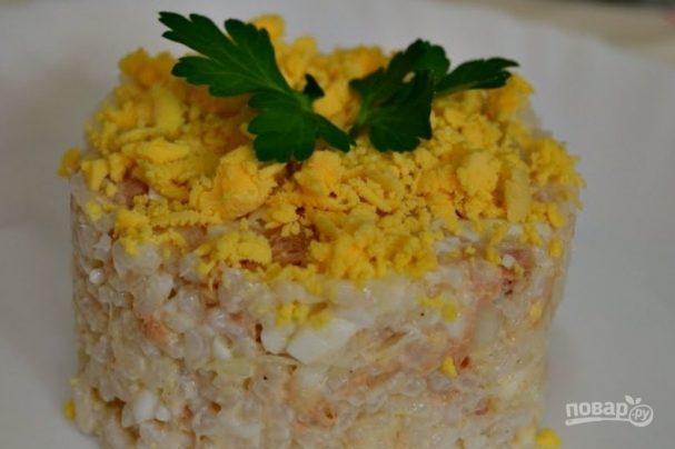 Салат с сайрой консервированной