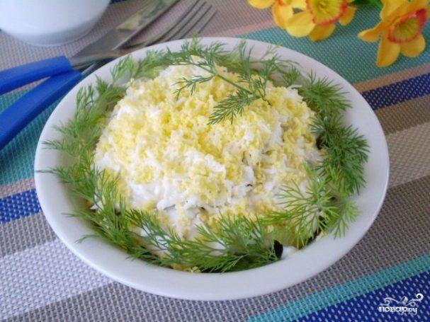 Салат с печенью куриной слоеный