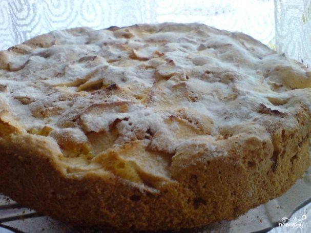 Пирог с яблоками и бананами