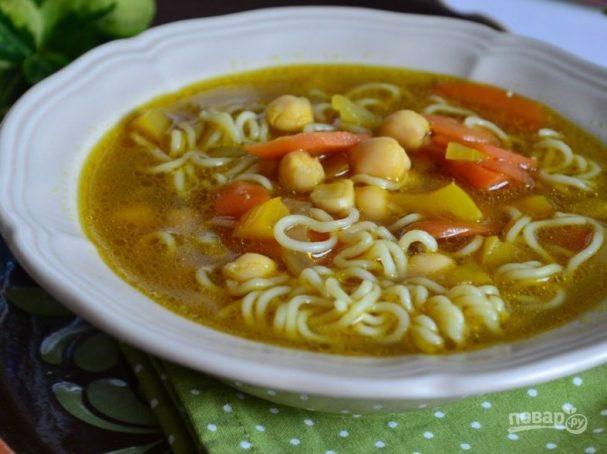 Суп с нутом и вермишелью
