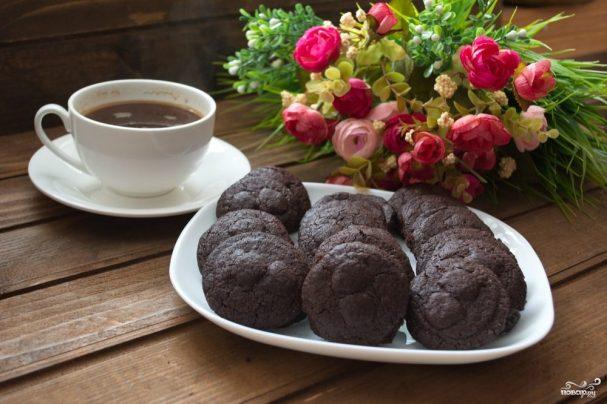 Мягкое шоколадное печенье с какао