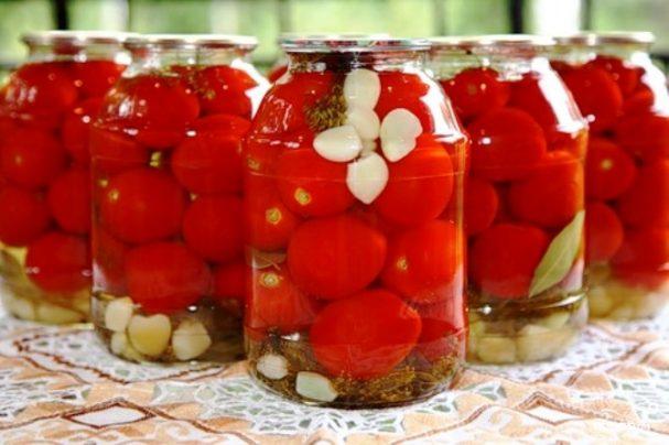 Консервированные помидоры с перцем