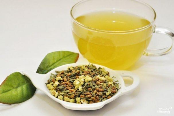 Зеленый чай с жареным рисом