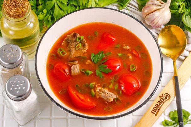 Китайский суп с помидорами и говядиной