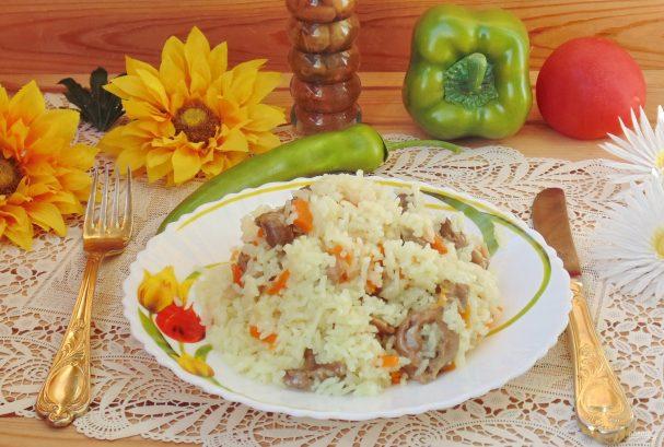 Рис с куриными желудками