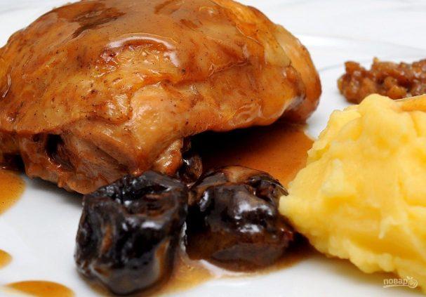 Курица с черносливом по-мароккански