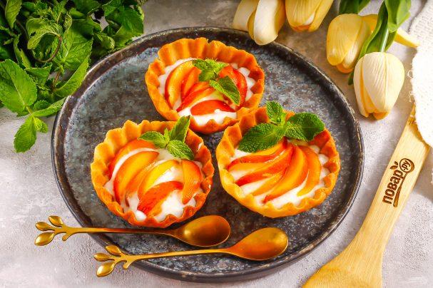 Корзиночки с персиками