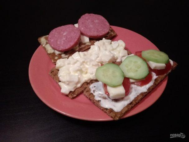 Закуски на хлебцах: 3 вида