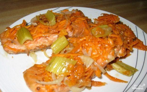 Кижуч, запеченный в духовке с овощами