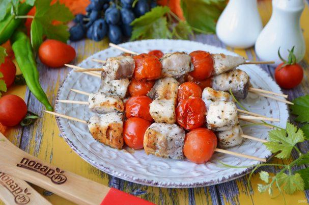 Шашлык из рыбы с помидорами черри