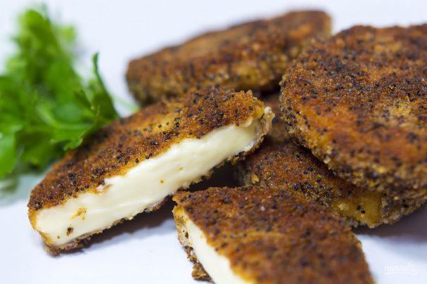 Жареный колбасный сыр