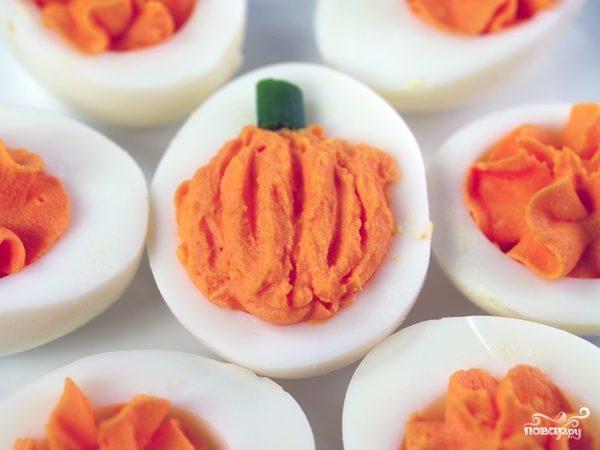 Закуска из яиц на Хэллоуин