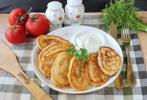 Оладьи с помидорами и сыром
