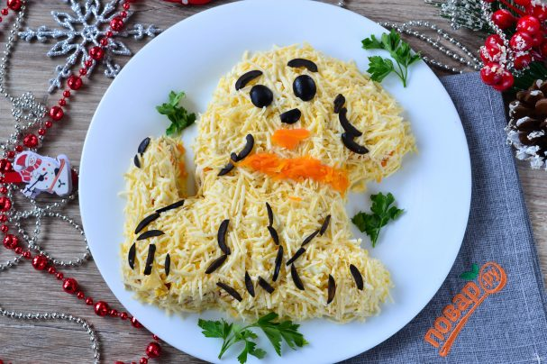 "Новогодний салат ""Собачка"""