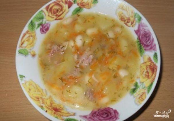 Фасолевый суп на говяжьем бульоне