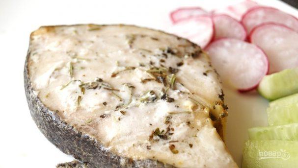 Стейки рыбы на мангале