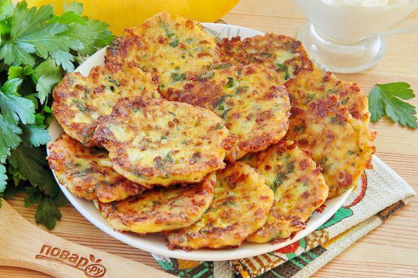 Пикантные тыквенные оладьи с сыром