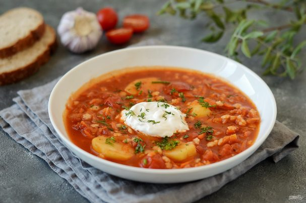 Томатный вегетарианский суп