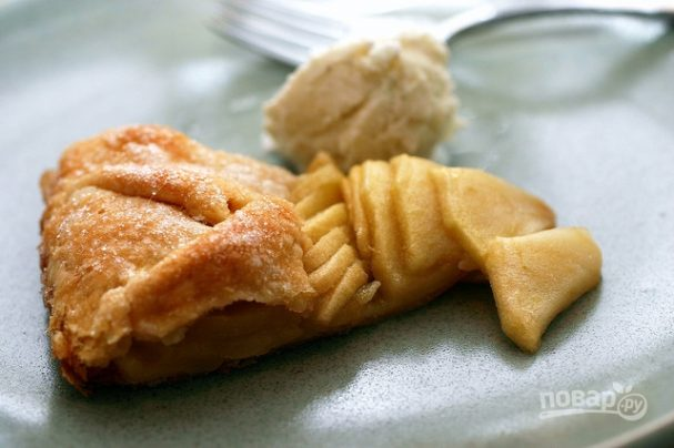 """Пирог """"Шарлотка"""" с яблоками"""