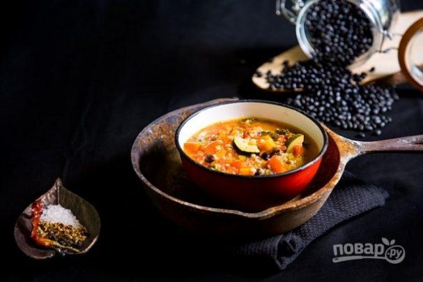 Перуанский суп с овощами и фасолью