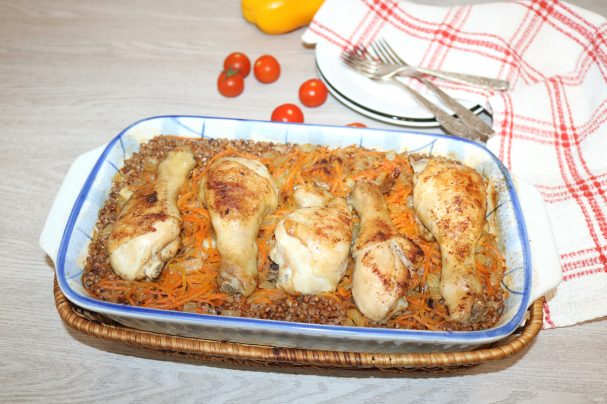 Куриные ножки с гречкой в духовке