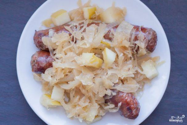 Сосиски с капустой по-немецки